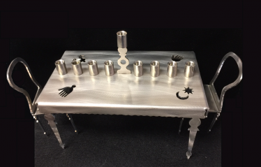 menorah_amyark_tablechair