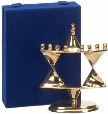 menorah_brass_star_velvetbox