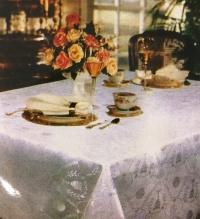 Tablecloth_winecup_white